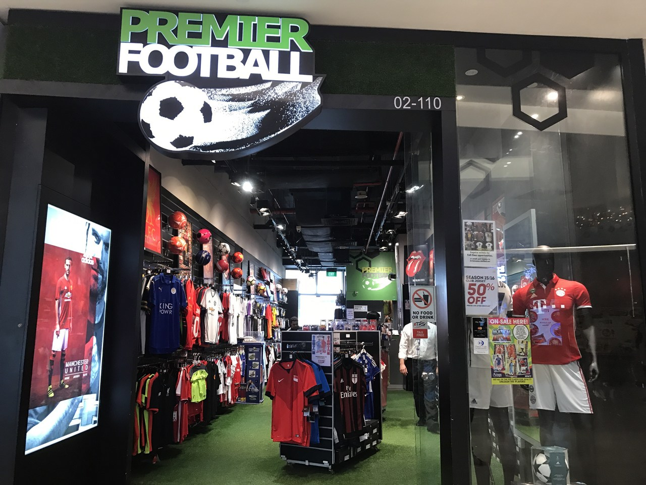 premier-football-singapore-2